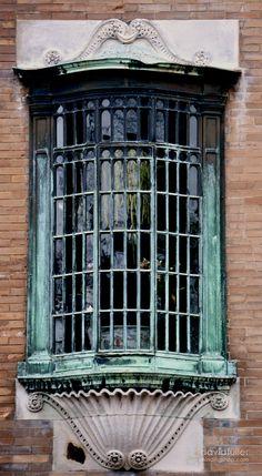 Beacon Street Window / David Fuller Photo