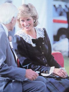 20 September 1987Diana at the first festival of National parks held at Chatsworth park in the peak district. (confirmed by TIm Graham)