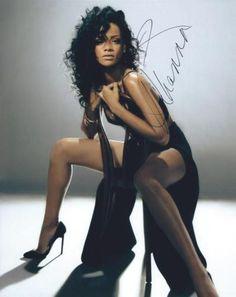 Rihanna:  8x10 beautiful hand signed photo. (B8-1) in Entertainment Memorabilia, Autographs-Original, Movies, Photographs | eBay