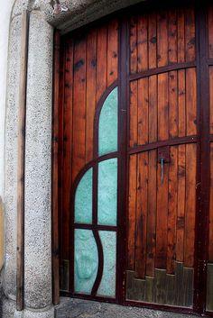 One of many amazing doors in Tepoztlan by beautiful! Door Entryway, Entrance Doors, Doorway, Door Knockers, Door Knobs, Door Handles, Cool Doors, Unique Doors, Porches