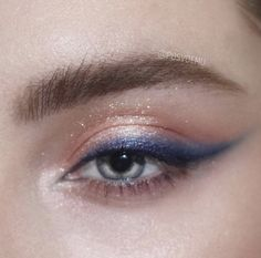 Best Unique Eye Makeup Ideas - makeup - Best Unique Eye Makeup Ideas Are you looking for unique and beautiful eye makeup ideas? Then you are in the right place. We have prepared best unique eye makeup pictures for you. Cute Makeup Looks, Makeup Eye Looks, Beautiful Eye Makeup, Eye Makeup Art, Glam Makeup, Pretty Makeup, Makeup Inspo, Eyeshadow Makeup, Makeup Inspiration