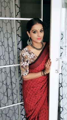 Modern Saree Press visit link above for more options Indian Dresses, Indian Outfits, Cotton Saree Blouse Designs, Sari Design, Modern Saree, Indian Attire, Indian Wear, Saree Trends, Stylish Sarees