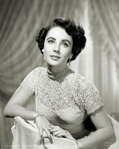Elizabeth Taylor 1949                                                                                                                                                                                 Mehr