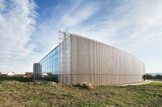 Pabellón de Deportes Lardy / Explorations Architecture (Ollainville, Francia) #architecture