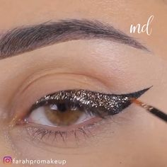 Learn how to ace that glitter liner everyone talks about~ By: Item Type: Eye Shadow Applicator Model Number: As shown in the figure Material: Silica gel Size: Eyeshadow Stamp Quantity: Eyeshadow Stamp Brand Name: Niceface Eyeliner Make-up, Makeup Tutorial Eyeliner, Eyeshadow, Smoke Eye Makeup, Golden Eye Makeup, Glitter Liner, Glitter Eye Makeup, Gold Liner, Make Up Looks