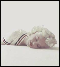 1955 / Marilyn by Milton GREENE.