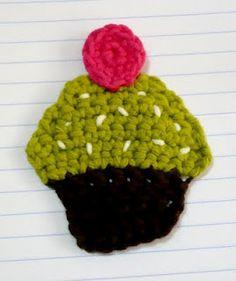 Free Crochet Pattern - Cupcake Applique.