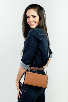 made in switzerland and italy Der Arm, Leather Clutch Bags, Big Bags, Small Handbags, Every Woman, Elegant, Jeans Fit, Mini Bag, Outfit