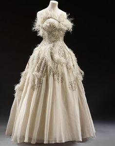 Ostrich Feather Wedding Gown//vom vom vom. Weird boobs!