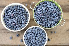 Ultimate Blueberry Guide: Growing, Freezing, Drying, Canning & Fresh Recipes Real Food Recipes, Great Recipes, Healthy Recipes, Healthy Food, Bulk Cooking, Cooking Tips, Blueberry Picking, Fruit Preserves, Thing 1