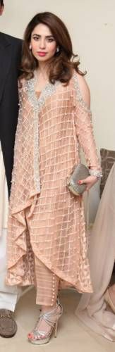 Best Dressed of the Week Pakistani Couture, Pakistani Outfits, Indian Outfits, Beautiful Dresses, Nice Dresses, Formal Dresses, Muslim Fashion, Indian Fashion, Salwar Dress