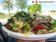Now this is share worthy! #yummy #food #izzos #Repost @dastylishfoodie15 (@get_repost) ・・・ Lunch on the go from @izzosillegalburrito Pictured is the Chicken & Pork Nachos with Queso, grilled onions, lettuce, pico de gallo, jalapeños and cilantro! So good! . . . #IzzosIllegalBurrito #Lunch #Nachos #Foodie #FoodPics #FoodPhotography #OntheGo #Errands #Busy #DigIn #Lafayette #Louisiana #FreshIngredients #BloggerLife #DipBabyDip #Instagram #Influencer #ADPhotos #DaStylishFoodie…