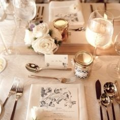 Wedding of Emily & Michael with a navy, cream, and gold color palette for an elegant vintage setting.
