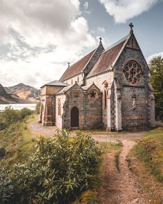 Abandoned Churches, Old Churches, Highland Village, Old Country Churches, Church Pictures, Samheughan, Cathedral Church, Church Architecture, Scotland Travel