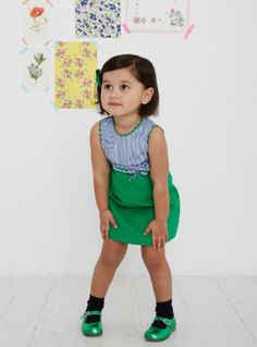 La Coqueta Kids SS14, qué maravilla de conjuntos http://www.minimoda.es Kelly Green dress and shoes for lil girls.