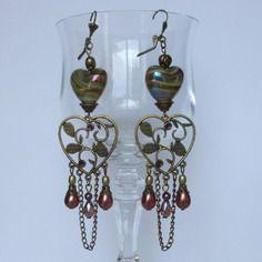 "Boucles d'oreille ,style romantique ""jolis coeurs"": perles de murano,filigrane bronze"