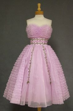 Ruffled Lavender Chiffon Vintage Prom Dress w/ Floral Embroidery late '50s - early '60s