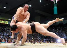 稀勢の里、希望の細い糸 白鵬に綱渡りの勝利 #相撲 #稀勢の里