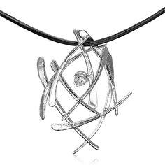 Et kunstværk af en halskæde i sølv med sten i hvid zirkon