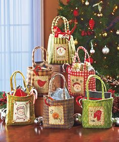 QUILTED FABRIC BAGS...ADORABLE!  Set of 6 Christmas Treat Bags