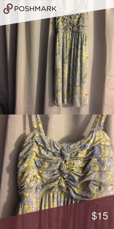 MAKE AN OFFER‼️Soma Casual Dress Size M Super Fun Yellow and gray paisley  Dress. This Dress has a fitted rouched top and a tie for the waist and loose twirl ready knee length skirt. Fun dress to stand out in. Soma Dresses