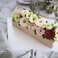 Centerpiece buttercream flowercake Made by Vivi cake