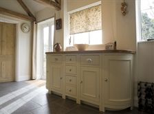 Chichester Kitchen Curved cabinet