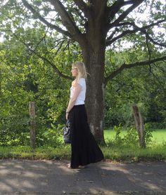 Skirt: Zara Shirt: Einstein & Newton Bag: Michael Korst