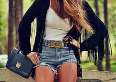 shorts jeans e casaco de franjas - detalhe blog de moda Decor e Salto Alto