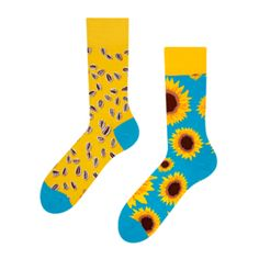 Spread your Good Mood to the world. Heaven for your feet and colourful designs for all to see. The ultimate gift to yourself or for all of your family and friends. Original designs inspired by everything around us. Harry Potter Socks, Sock Monster, Hiking Socks, Big Face, Lemur, Cotton Socks, Pug Life, All About Eyes, Good Mood