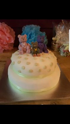 baby shower cake. teddy bears