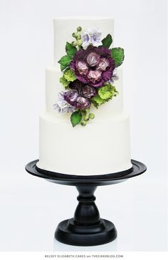 10 Flower Cakes for Spring | including this design by Kelsey Elizabeth Cakes  | on TheCakeBlog.com