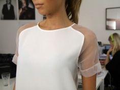 transparente Ärmel, aber eher normaler T-Shirt Schnitt, kein Raglan