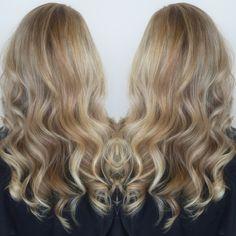 Sandy blonde hair, long hair, bronde hair, balayage, Kenra color, Kenra Bronze metallics, beach waves
