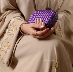 Beautiful in Black : Photo Muslim Women Fashion, Arab Fashion, Modest Fashion, Kaftan Designs, Modern Abaya, Hijab Collection, Arabic Dress, Caftan Dress, Hijab Chic