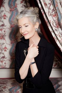 Catherine Loewe   Lovely gray hair~  this is what I want to look like when I grow my hair out gray.
