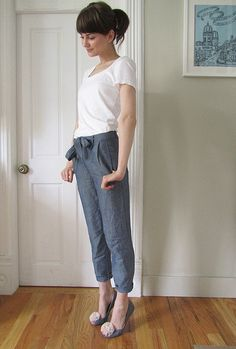 Many levels of awesomeness: grey slacks, yet comfortable!; high-waisted; tied in front; and pedal-pushers