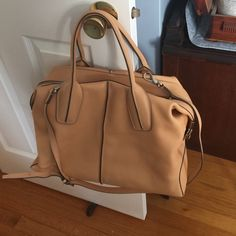 Satchel handbag with removable strap Gorgeous Tod's D Bauletto bag in Vachetta leather. Soft and gorgeous. Used a handful of times. Comes with dust bag and Todd's literature.  Removable long strap. Tod's Bags Satchels
