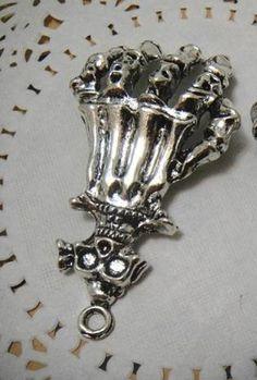 Skeliton hand and skull pendant alloy diy bling phone deco Skull Pendant, Skull And Bones, Skulls, Craft Supplies, Bling, Deco, Phone, Bracelets, Silver