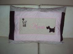 Capa travesseiro personalizada. www.saldaterrapatchwork.blogspot.com face: Renata Deichsel renata.deichsel@gmail.com