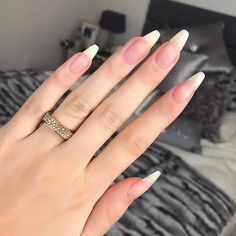 Want some ideas for wedding nail polish designs? This article is a collection of our favorite nail polish designs for your special day. Natural Nail Shapes, Natural Nail Designs, Natural Looking Nails, Long Natural Nails, Nude Nails, Stiletto Nails, Glitter Nails, Pointed Nails, Black Nails