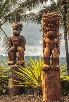 Polynesian tiki carvings on Oahu, Hawaii