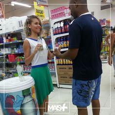 Degustação da nova bebida sabor limão da H2OH! - HELLO, que aconteceu no supermercado Guanabara, no Rio!