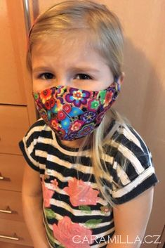 Rouška (střih a návod) – Caramilla.cz Mouth Mask Design, Sewing Projects, Diy Projects, Fashion Mask, Diy Face Mask, Mask For Kids, Couture, Diy And Crafts, Pattern