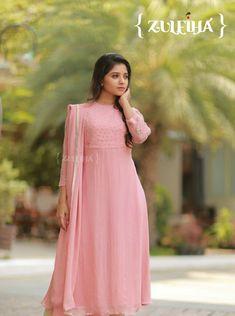Baby pink Salwar Designs, Kurta Designs Women, Kurti Designs Party Wear, Kurti Neck Designs, Blouse Designs, Churidhar Designs, Dress Indian Style, Indian Outfits, Stitching Dresses