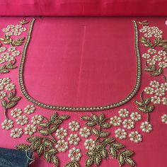 Kurti Embroidery Design, Embroidery Neck Designs, Embroidery Works, Hand Embroidery Patterns, Beaded Embroidery, Embroidery Stitches, Hand Work Design, Hand Work Blouse Design, Best Blouse Designs