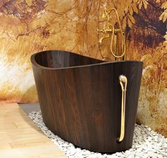 Luxurious Hand Crafted Khis Wooden Bathtubs | DigsDigs
