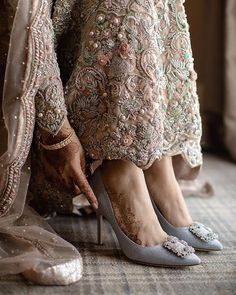 What's Good To Choose For Wedding: Bridal Flats Or High Heels? Indian Wedding Ceremony, Wedding Ceremonies, Wedding Bride, Bridal Sandals, Wedding Heels, Bridal Outfits, Bridal Dresses, Indian Bridal, Pakistani Bridal