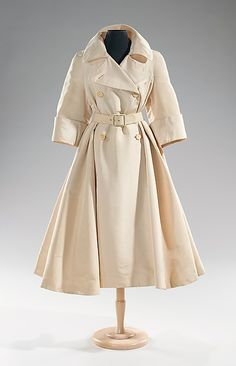 norman norell silk evening trench coat | 1955 | #vintage #1950s #fashion