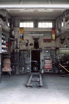 I'd love a lift in my garage....